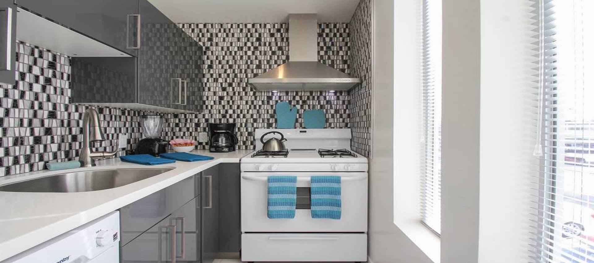 twist-hotel-room203-kitchen