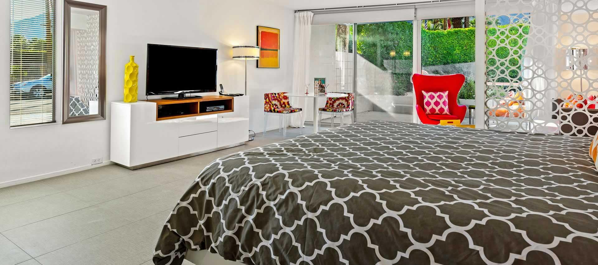 Studio 103 ADA - Bed
