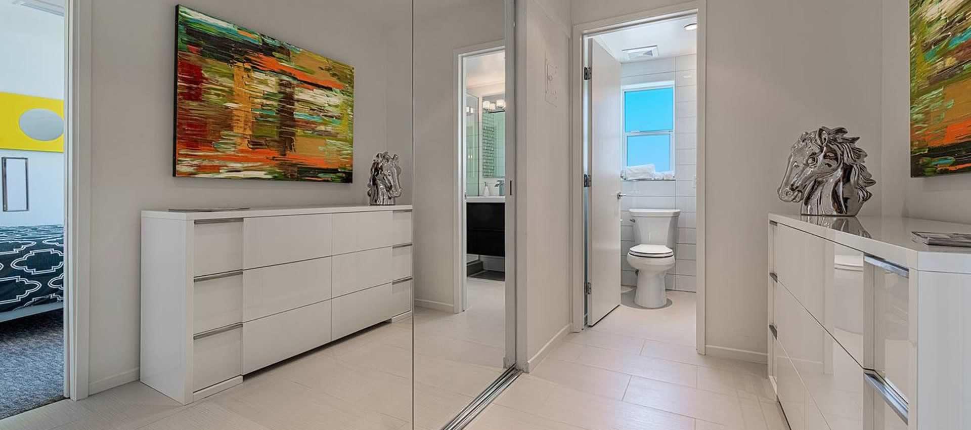 twist-hotel-room107-bath