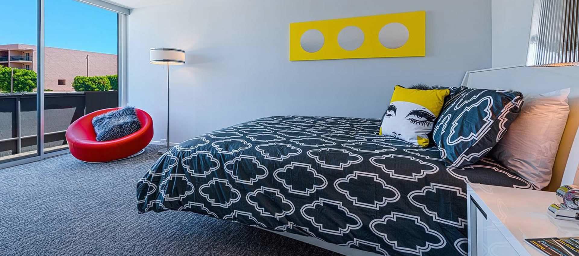 twist-hotel-room107-bed