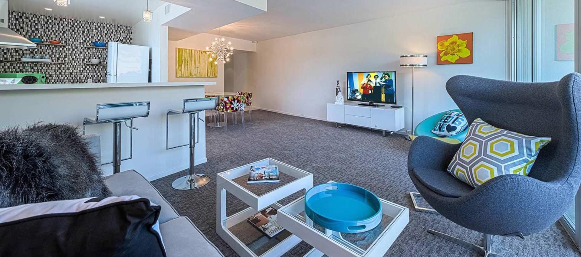 twist-hotel-room107-frontroom-01