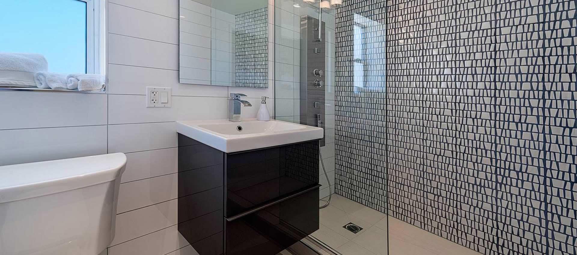 twist-hotel-room107-shower