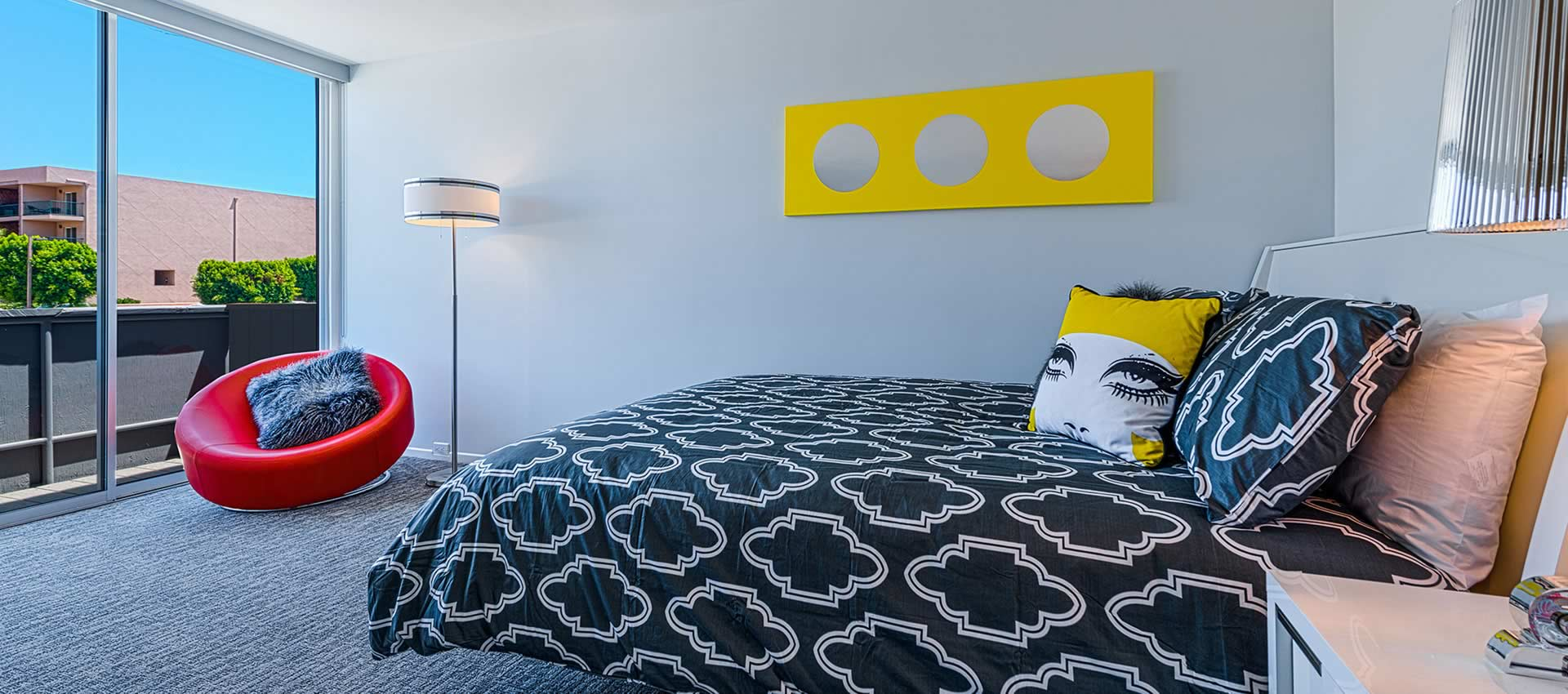 twist-hotel-room207-bed
