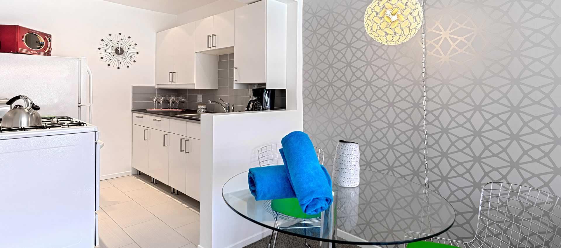 twist-hotel-room216-diningroom