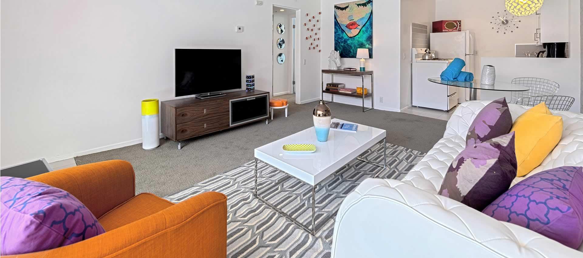 twist-hotel-room216-frontroom-02