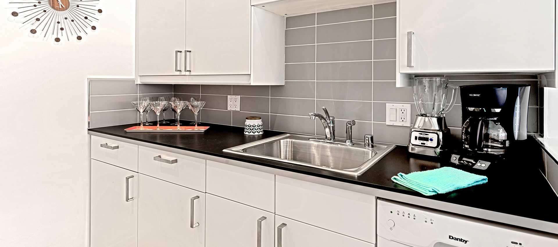 twist-hotel-room216-kitchen