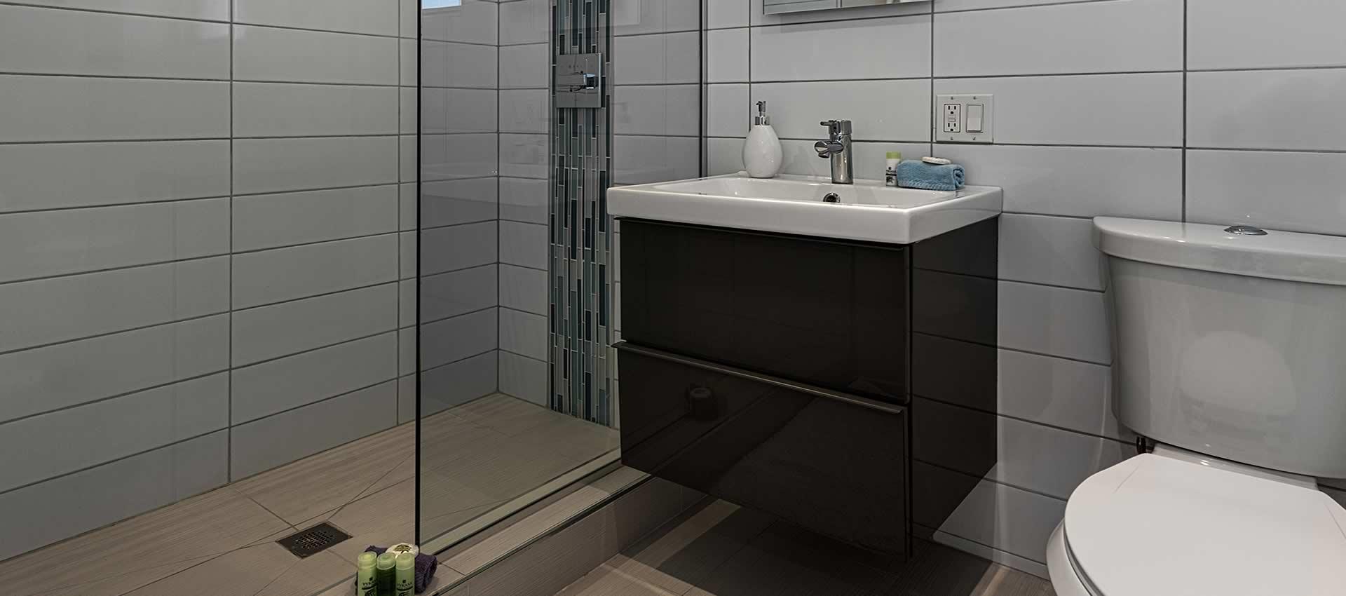 twist-hotel-room218-bath