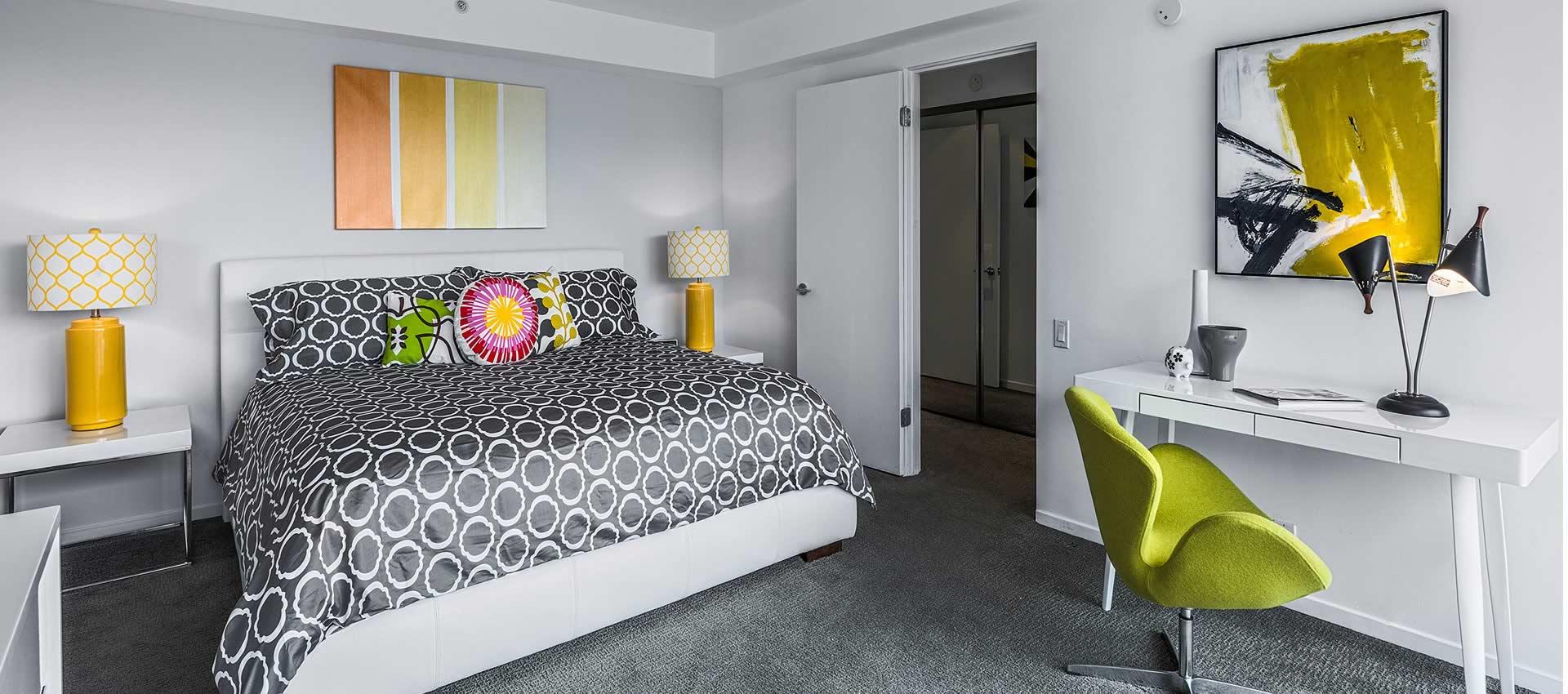 twist-hotel-room221-bedroom-02