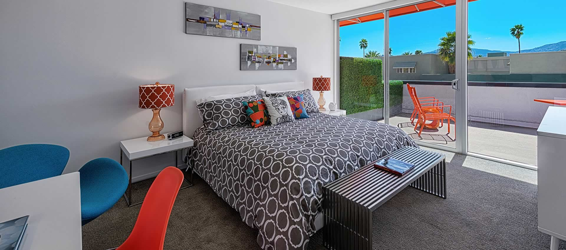 twist-hotel-room222-bedroom-01