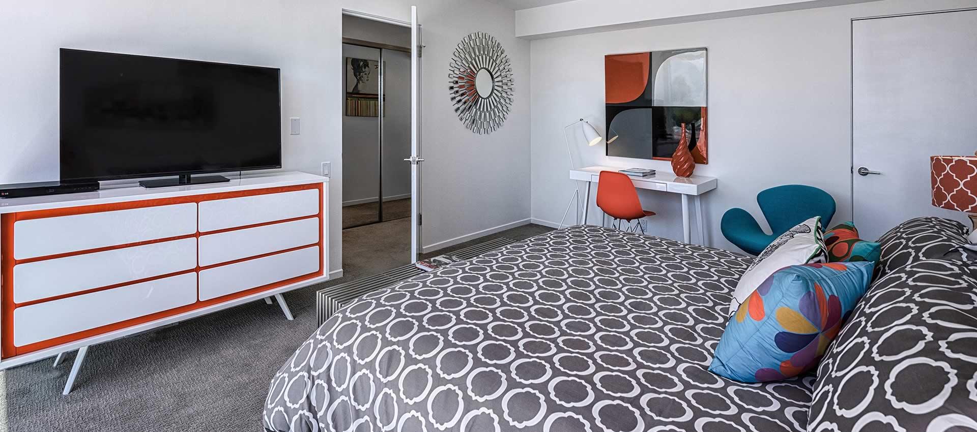 twist-hotel-room222-bedroom-02